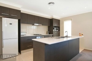 2014_November_24_Glenmore Park_For Lease_2-47 Camellia Ave_Kitchen