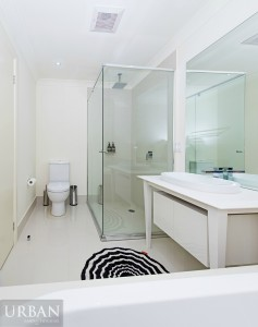 2014_Dec_Kellyville_94 Rutherford Avenue_Bathroom
