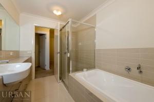 2015-Mar-17-Elysia-Glenmore-Park-55-47-Camellia-Ave-bathroom-web (1)