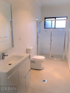 2015-Jan-29-Stonecutters-Ridge-3 Burringoa-Colebee-Bathroom