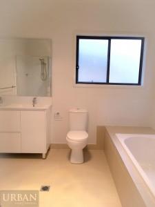 2015-Jan-29-Stonecutters-Ridge-3 Burringoa-Colebee-Bathroom(2)